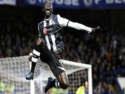 Papiss Cissé celebrates putting Newcastle United 1-0 up against Chelsea at Stamford Bridge
